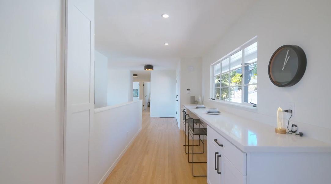 35 Photos vs. 5929 Wood Dr, Oakland, CA Interior Design Luxury Home Tour