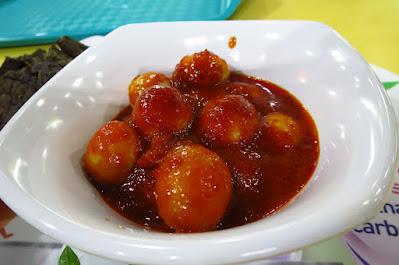 Hajjah Mona Nasi Padang, quail eggs sambal