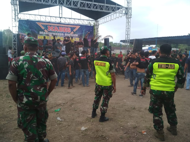 Pengamanan Panggung Hiburan Oleh TNI Dan Polri