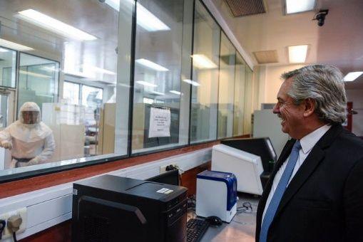 Presidente argentino descarta levantamiento de la cuarentena