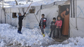 لا تدفئة في عرسال.. الثلج يحاصر اللاجئين والبرد يفترسهم (فيديو)