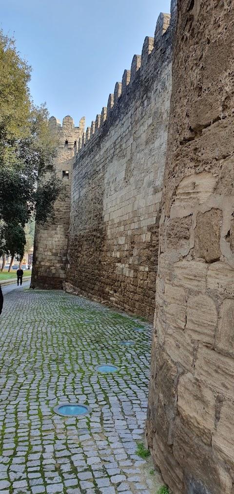 ( المدينة القديمة باكو أذربيجان ) Old city Baku Azerbaijan