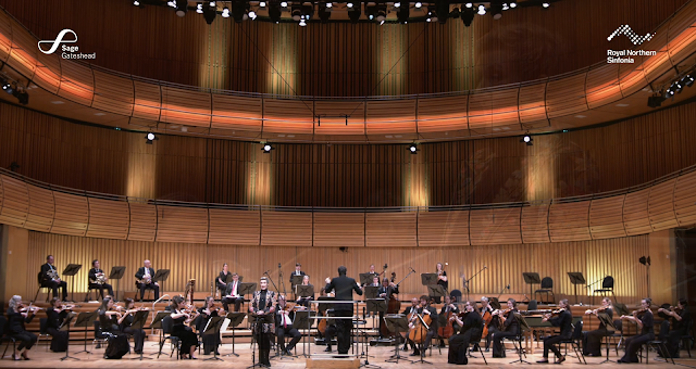 Berlioz: Les nuits d'été - Dame Sarah Connolly, Royal Northern Sinfonia, Dinis Sousa at Sage Gateshead (photo taken from live-stream)