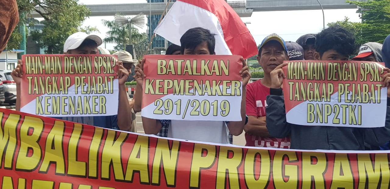 Milenial Anti Korupsi Geruduk Kemenaker