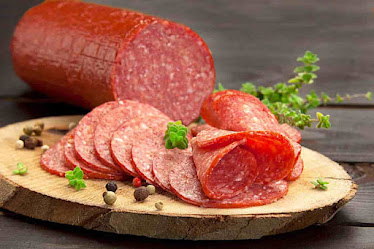 Is salami bad for dogs, Is salami good for dogs, How much protein in salami for dogs