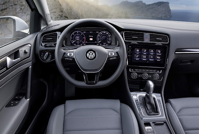 VW Golf 2018 - interior - painel