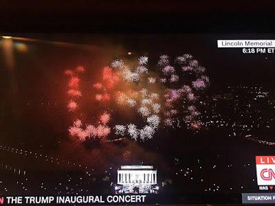 'Estados Unidos de Rusia': ¿Hackearon los fuegos artificiales en honor a Trump?
