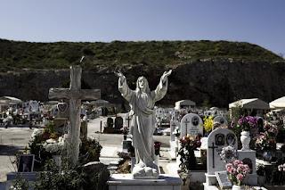 νεκροταφείο της Μεγάλης Βρύσης και της Αγίας Παρασκευής στη Λαμία
