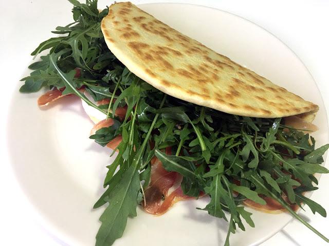 Piadinas italianas, receta fácil y rápida