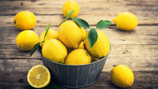 Οι 7+1 χρήσεις του λεμονιού που ίσως δεν γνωρίζετε