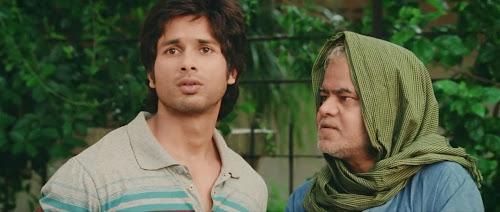 Screen Shot Of Hindi Movie Phata Poster Nikla Hero (2013) Download And Watch Online Free at worldfree4u.com