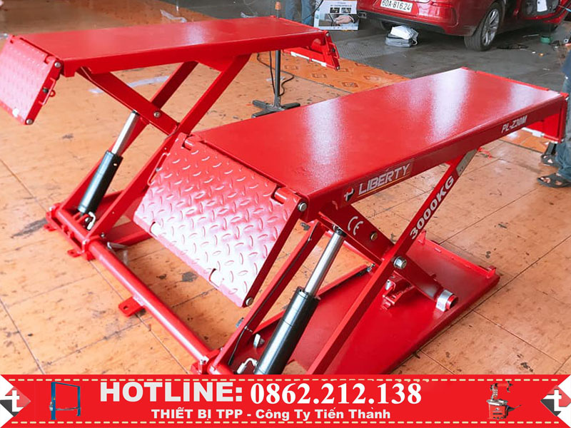 cầu nâng di dộng, câu nâng cắt kéo, cầu nâng di động sửa chữa nhanh