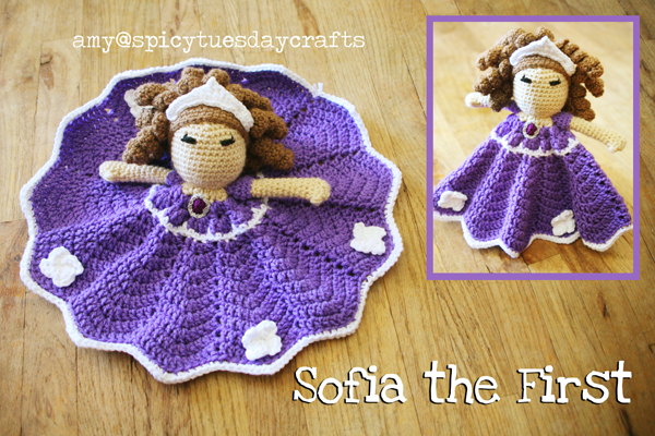 spicy tuesday crafts: Sofia the First Blanket Buddy - Free notes
