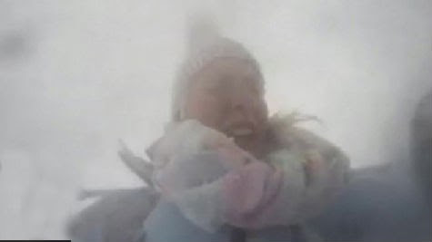 Nepal earthquake: Moment British woman caught in avalanche