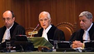 peranan mahkamah internasional dalam penyelesaian sengketa internasional
