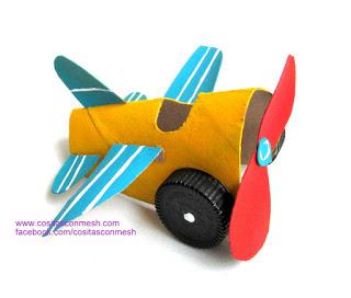 avioneta-rollos-papel-higienico-reciclado