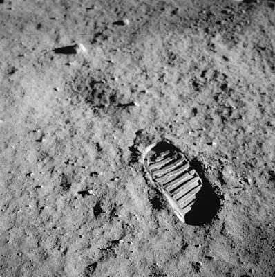 Apollo 11 space mission in Hindi
