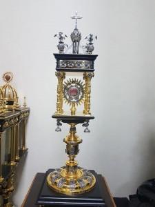 Una reliquia de San Josemaría Escrivá para el paso de la Madre de Dios de Jaen