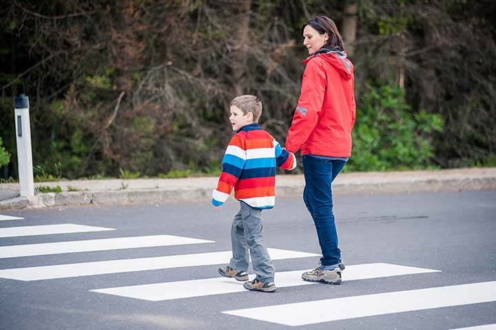5 Safety Tips for Mothers Traveling Alone with the Kids (#4 is the Most Fun)