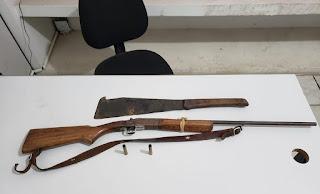 Em Pirpirituba, policiais prendem suspeito com arma de fogo usada em homicídio