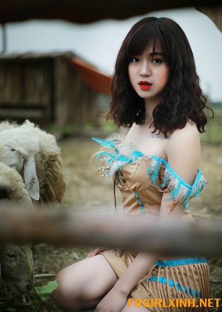 """Nữ thổ dân xinh đẹp khiến cộng đồng mạng xã hội """"điên đảo"""""""