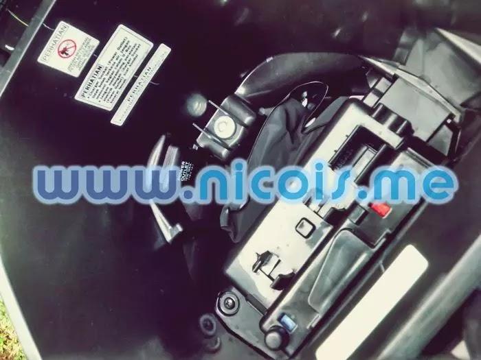 Tampilan bagasi New Supra X 125 FI 2014: dilengkapi dengan power charger