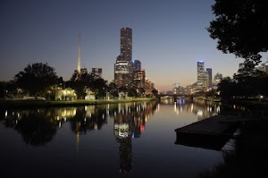 Enjoy the Melbourne Nightlife