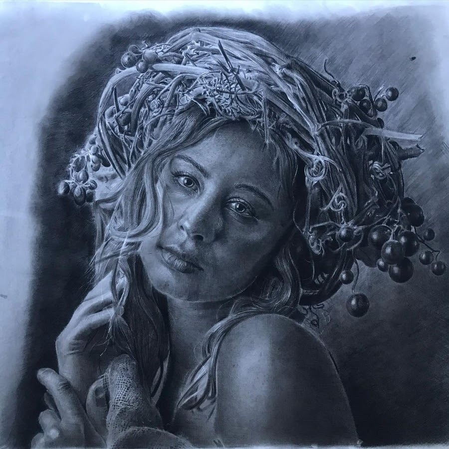 11-Using-nature-for-a-portrait-pose-Tayeb-Atatra-www-designstack-co