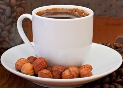 قهوه فرنسيه بالبندق