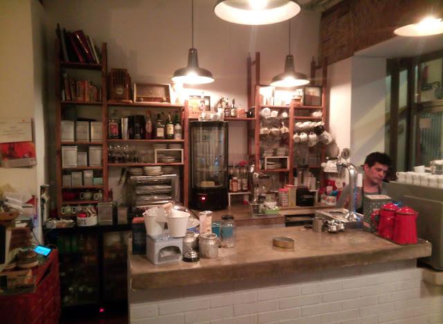 Barra de Cafelito, Lavapies - Tusolovive Madrid