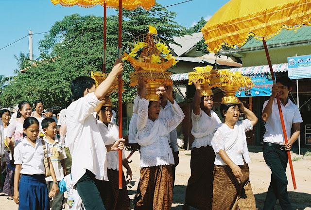 Le Cambodge célèbre la fête de Kathin