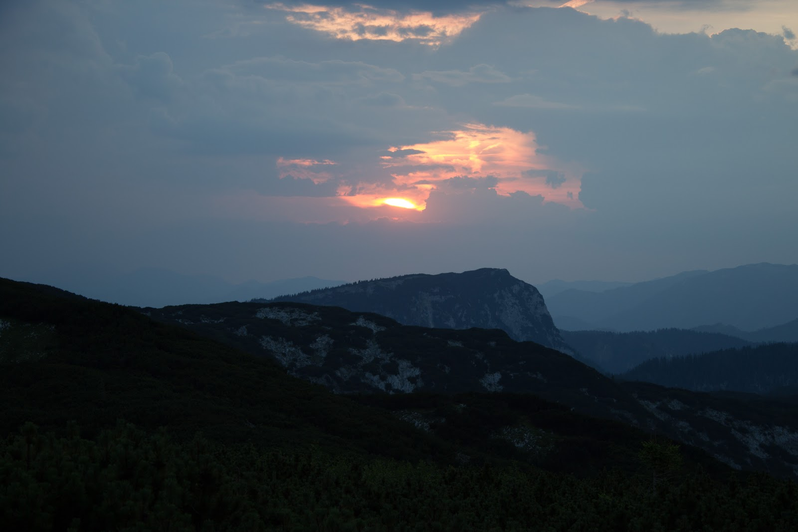 Zweitägige Wanderung von der Gsollkehre in Eisenerz über die Gsollalm zum Brandstein und weiter über Fobisalm und Hinterseeau zum Leopoldsteinersee - Sonnenuntergang