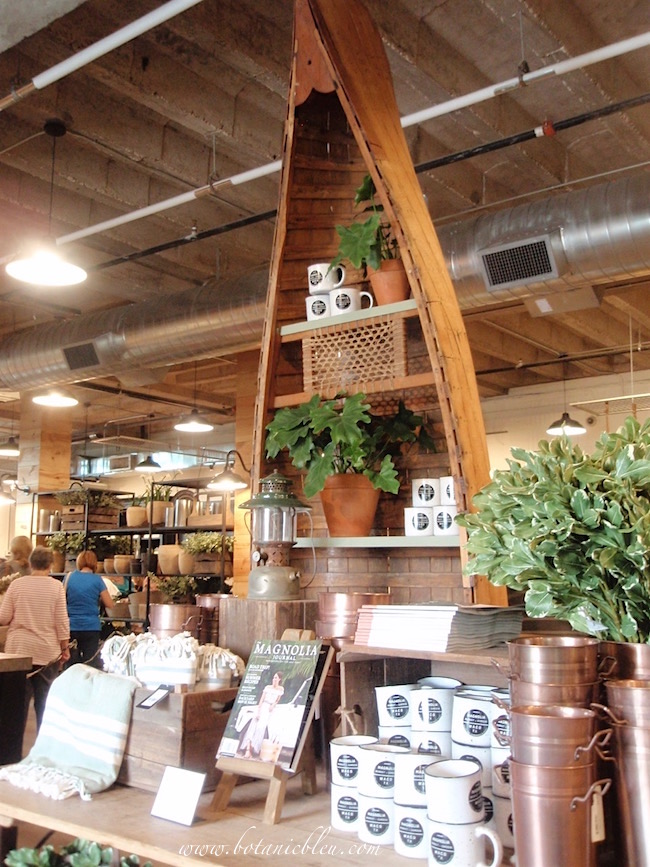 magnolia-market-vintage-canoe-summer-fun-display
