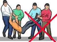 Cara menolong orang yang celaka di jalan