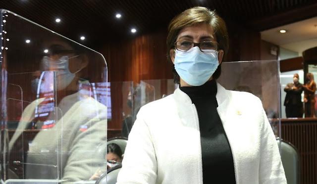 Falta de capacidad hospitalaria, condena a pacientes ajenos al COVID-19: Mónica Almeida