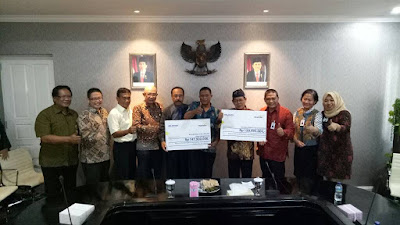 Penyerahan CSR Bank Mandiri kepada 2 Bumdes Kab. Karawang