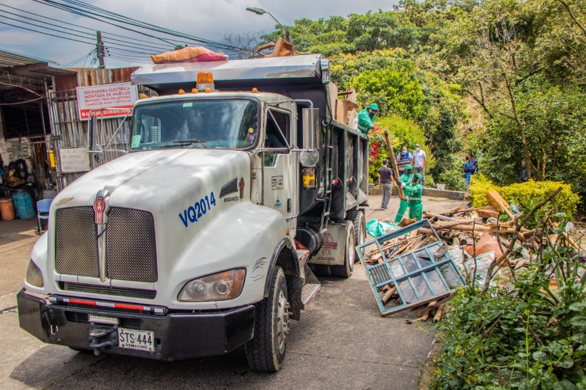 Empresa de Aseo de Pereira invitó a habitantes del barrio San Nicolás a cuidar quebrada la Dulcera