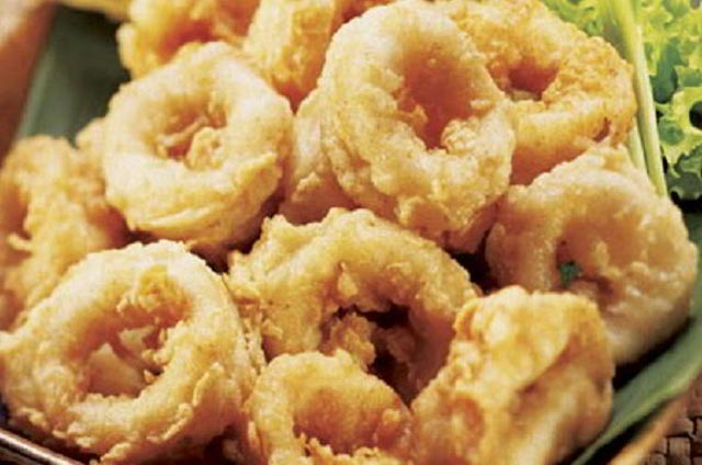 Teksturnya yang kenyal dan memiliki citarasa gurih, Cumi seringkali jadi menu makanan favorit. Banyak menu makanan yang bisa diolah dari hewan laut Cumi ini. Tak hanya itu, Cumi juga memiliki kandungan nutrisi yang sangat dibutuhkan tubuh manusia.