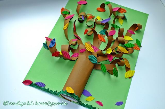 Jesienne zakręcone drzewo 3D