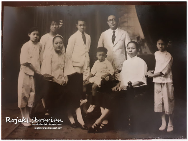 Dr. Ho Siu Khan and family