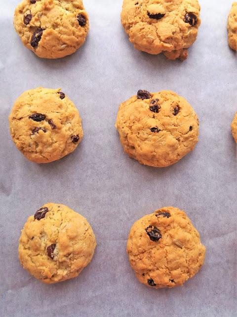 Ciasteczka z płatkami owsianymi i rodzynkami / Raisin Oatmeal Cookies