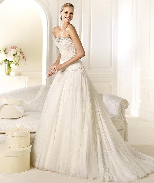 Pronovias Real Wedding Inspiration: Inspiration Songket Affairs : Stunning Frocks: #BM Whimsy