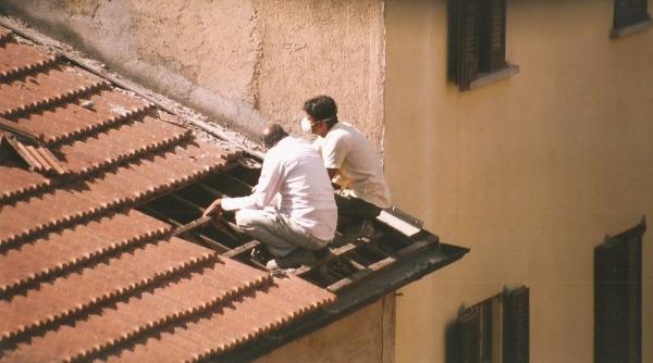 tetto-copertura-coppi-manutenzione-operai