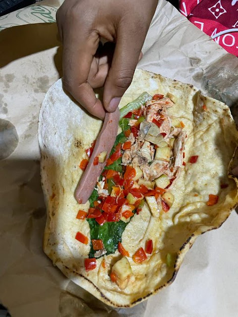 Man cries out as he ordered a sharwama only to find pepper and vegetables inside it