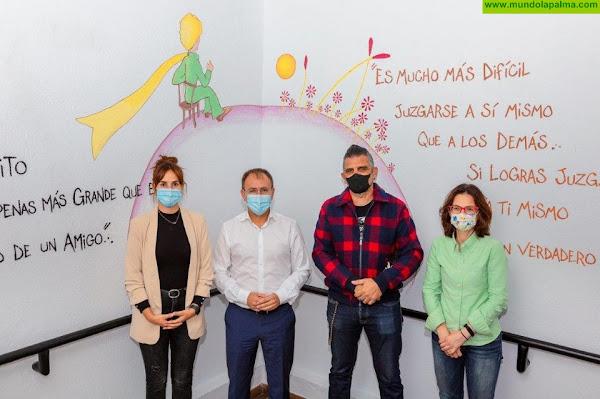 La Biblioteca de El Paso estrena nueva imagen con un mural sobre 'El Principito'