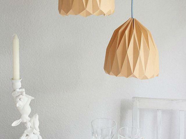 7 DIY para renovar las pantallas de las lámparas. Lámpara de origami