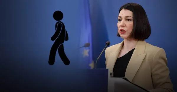 Απίστευτο: Απαγορεύουν βόλτες με αυτοκίνητο! - «Μετακινήσεις μόνο με τα πόδια» λέει η Α.Πελώνη