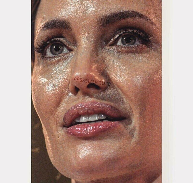 Angelina Jolie de cerca