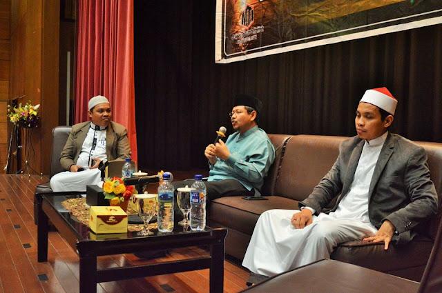 Ismail Yusanto di Makassar