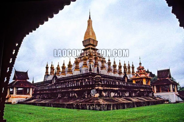 Tat Luang From the Past